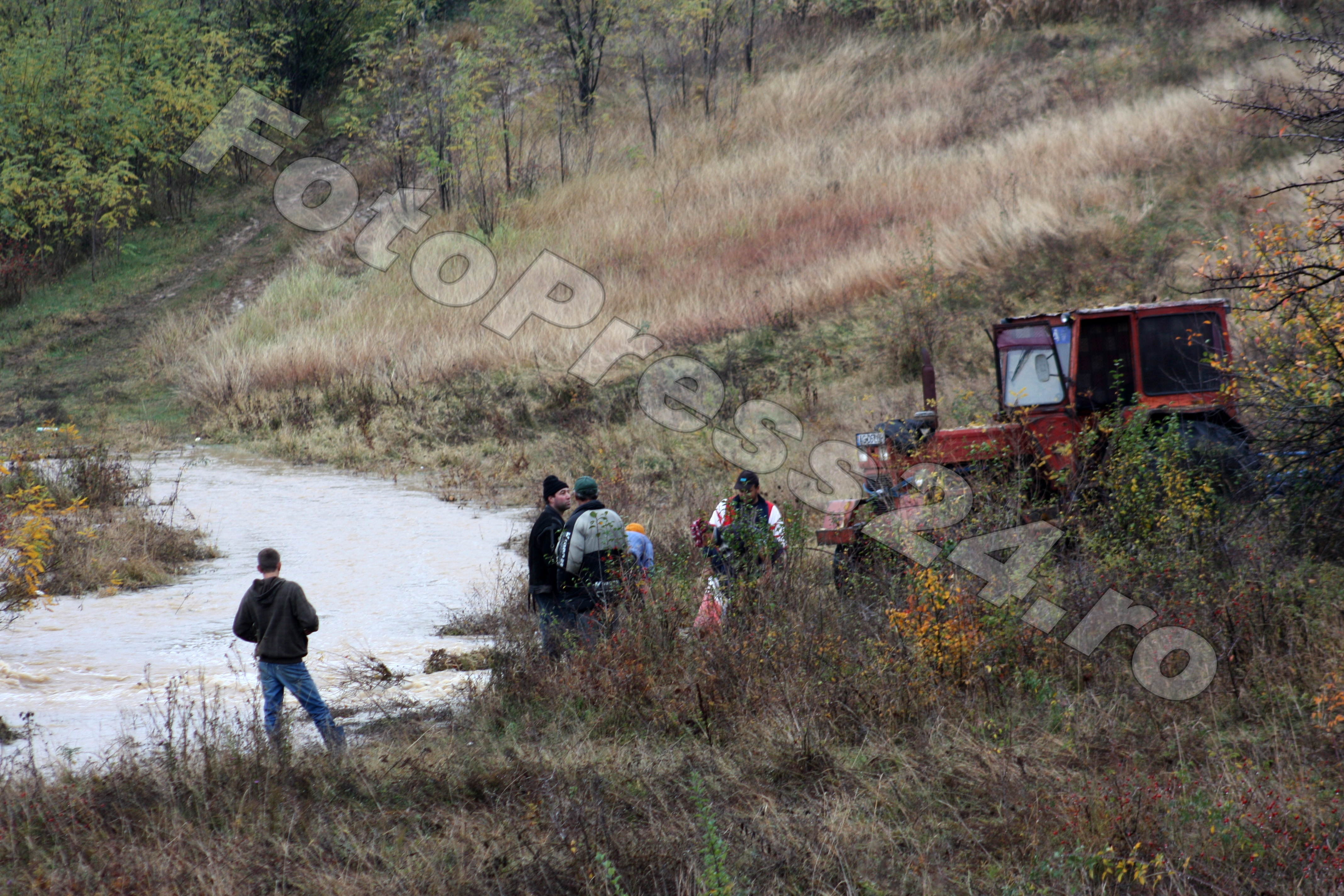 inundatie_pod brosteni_costesti si stirci. (24)