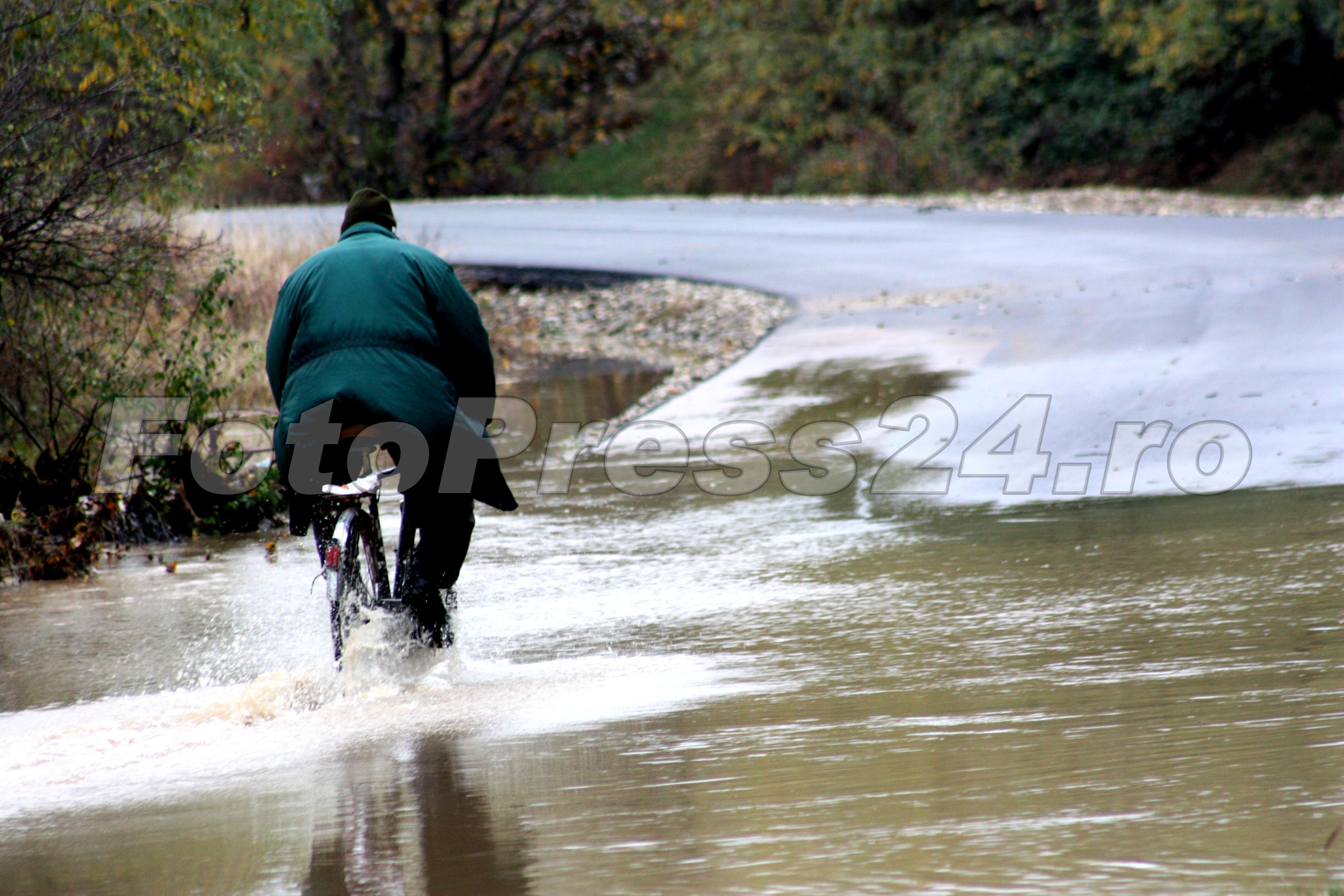 inundatie_pod brosteni_costesti si stirci. (28)