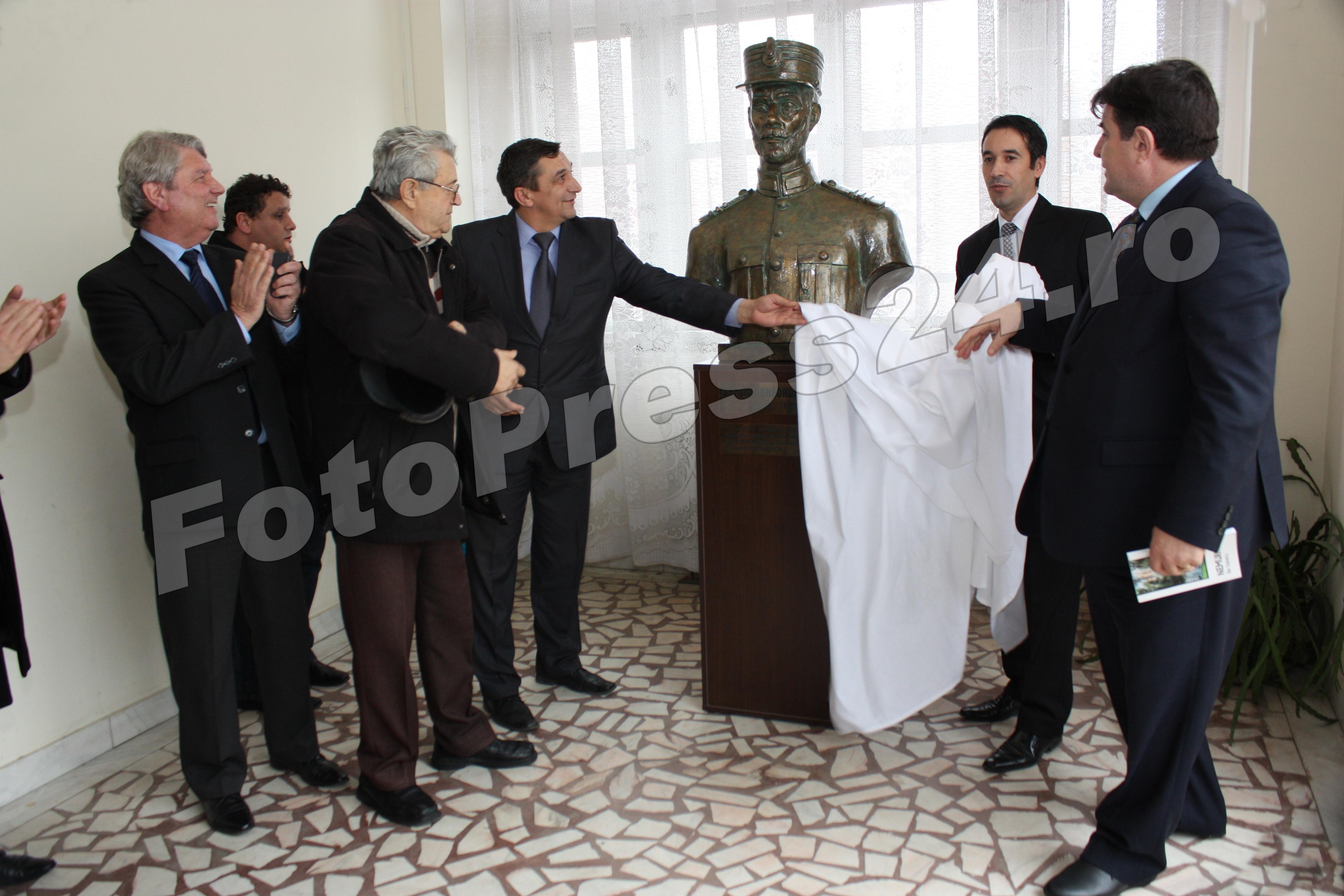 Dezvelirea bust statutar -foto-Mihai Neacsu (10)