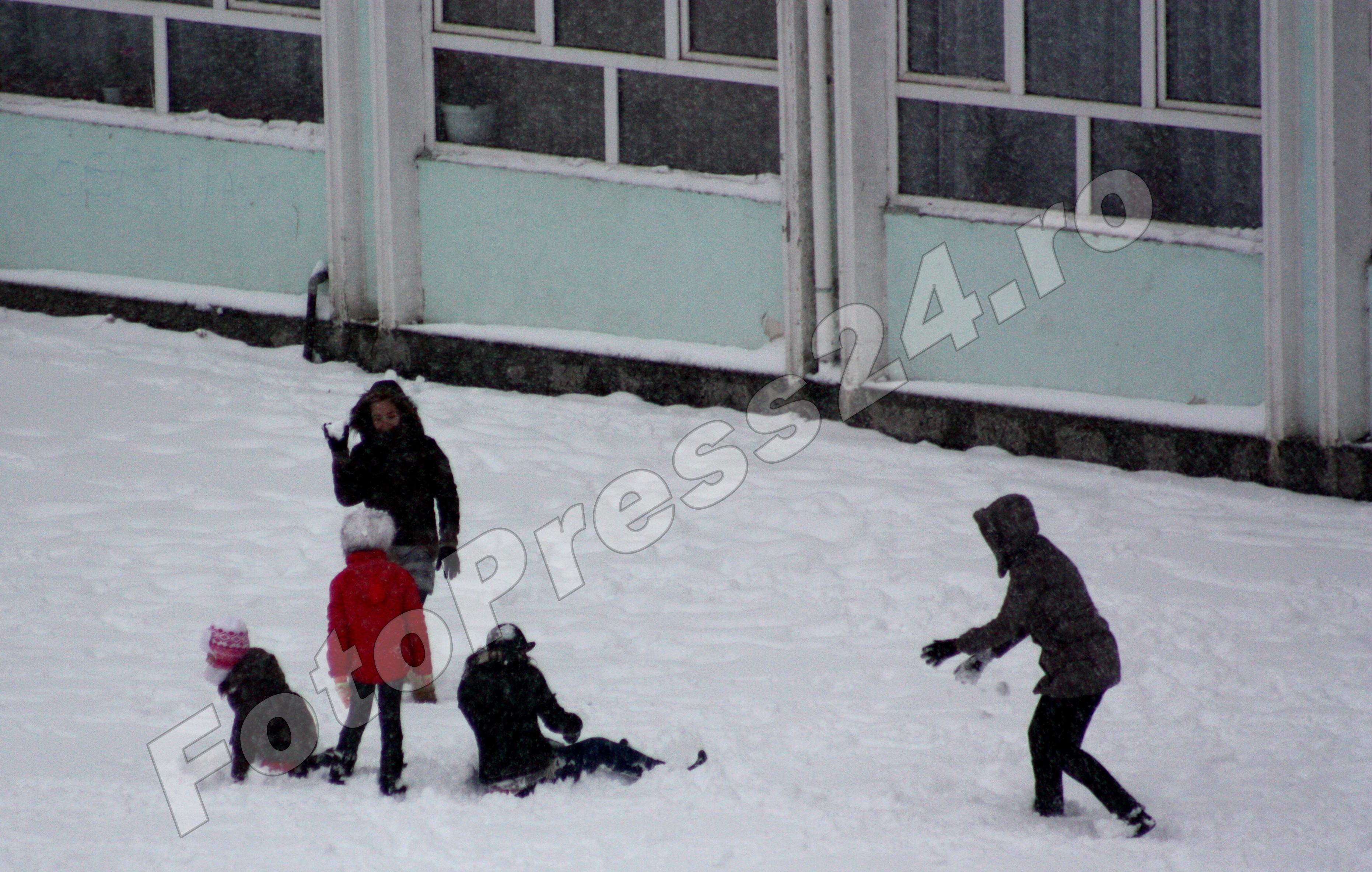nici_vineri_nu_se_face_scoala-fotopress24