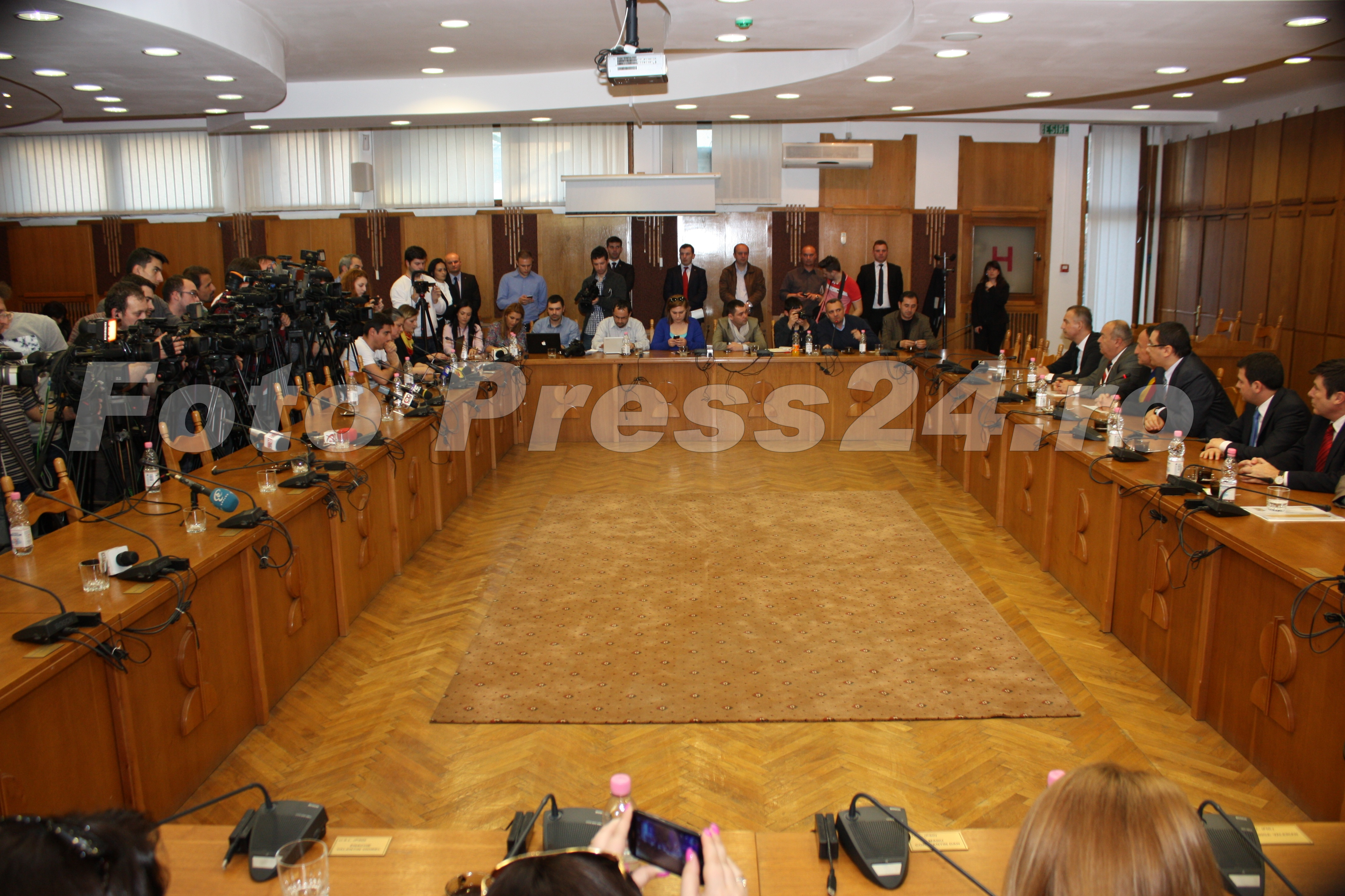 Finantare-Pitesti-foto-Mihai-Neacsu-fotopress24