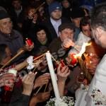 Sfânta Lumină a Învierii ! la Pitesti-foto-Mihai Neacsu (6)