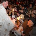 Sfânta Lumină a Învierii ! la Pitesti-foto-Mihai Neacsu (7)