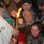 Sfânta Lumină a Învierii ! la Pitesti-foto-Mihai Neacsu (9)