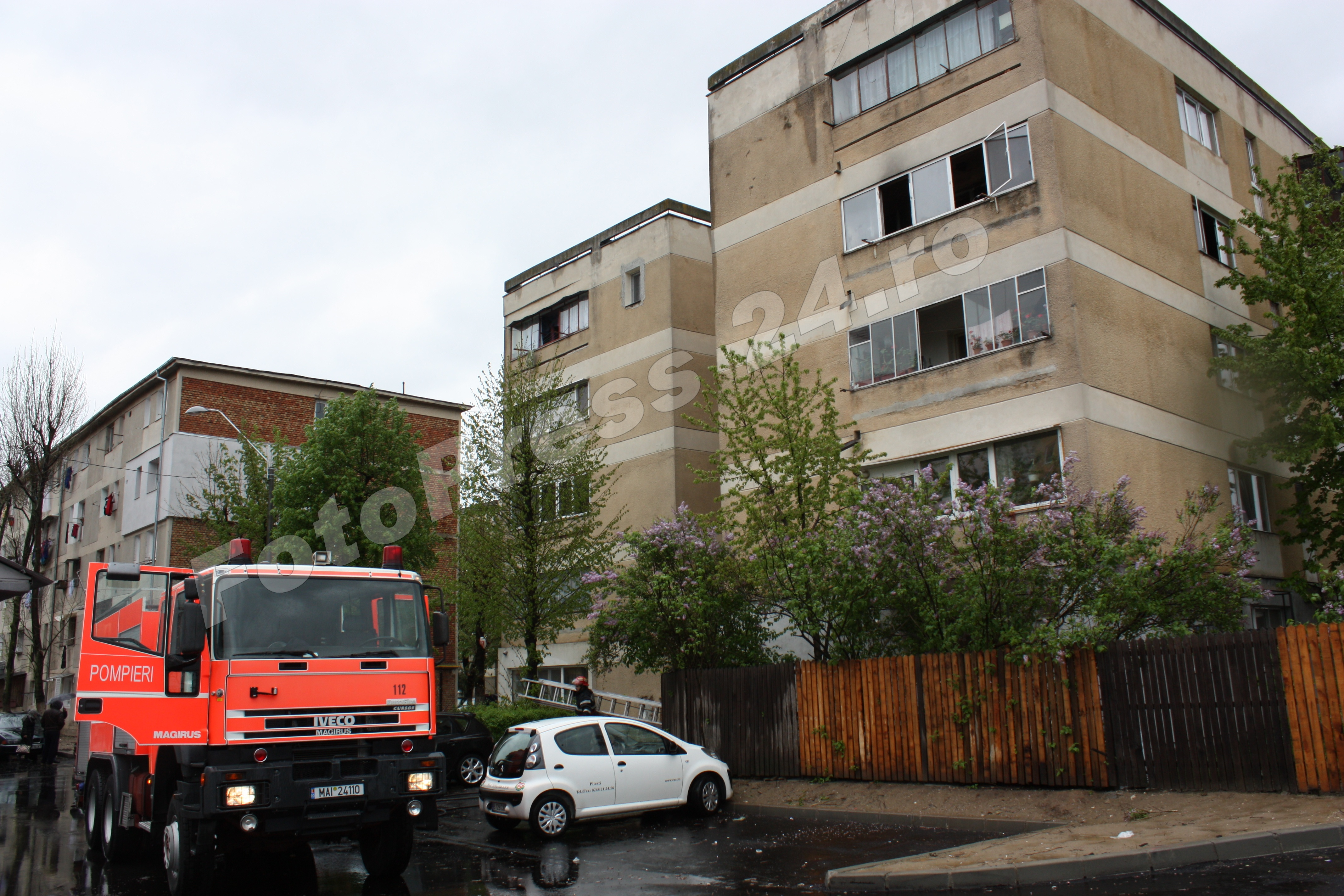 incendiu apartament Razboieni-foto-Mihai Neacsu
