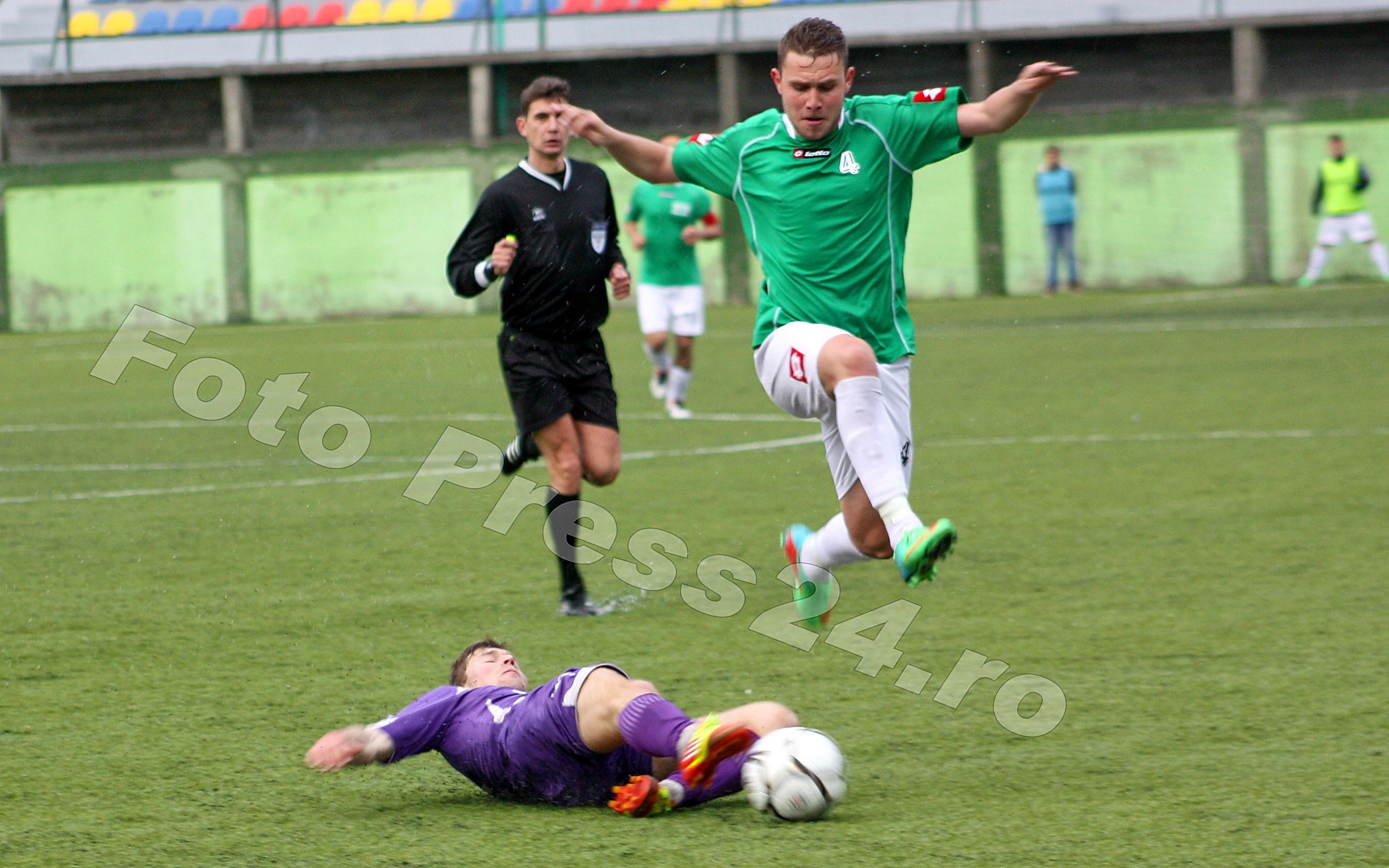 Atletic_Bradu-foto-Mihai-Neacsu