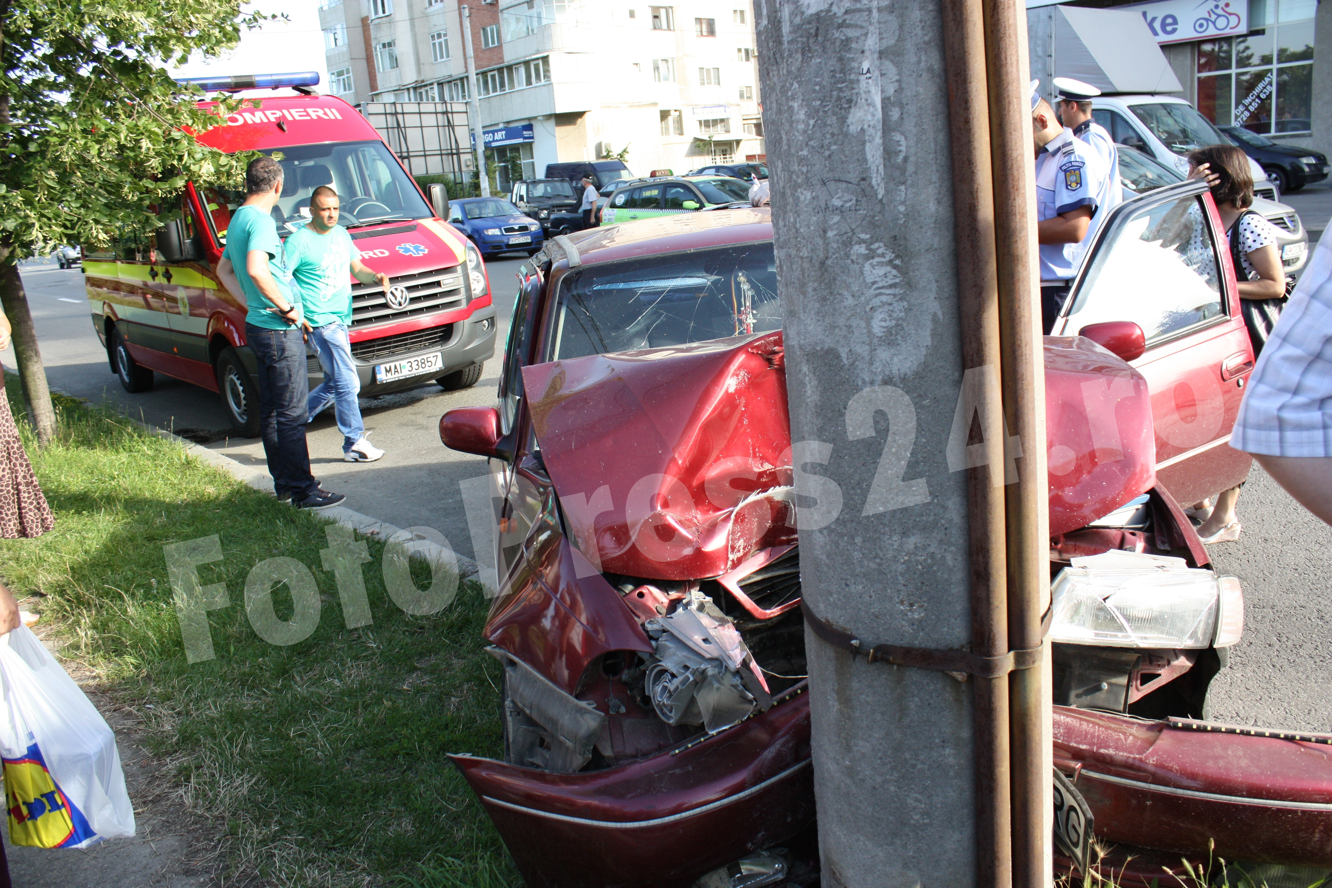 accident  bld.Republici-FotoPress24-Mihai Neacsu (4)