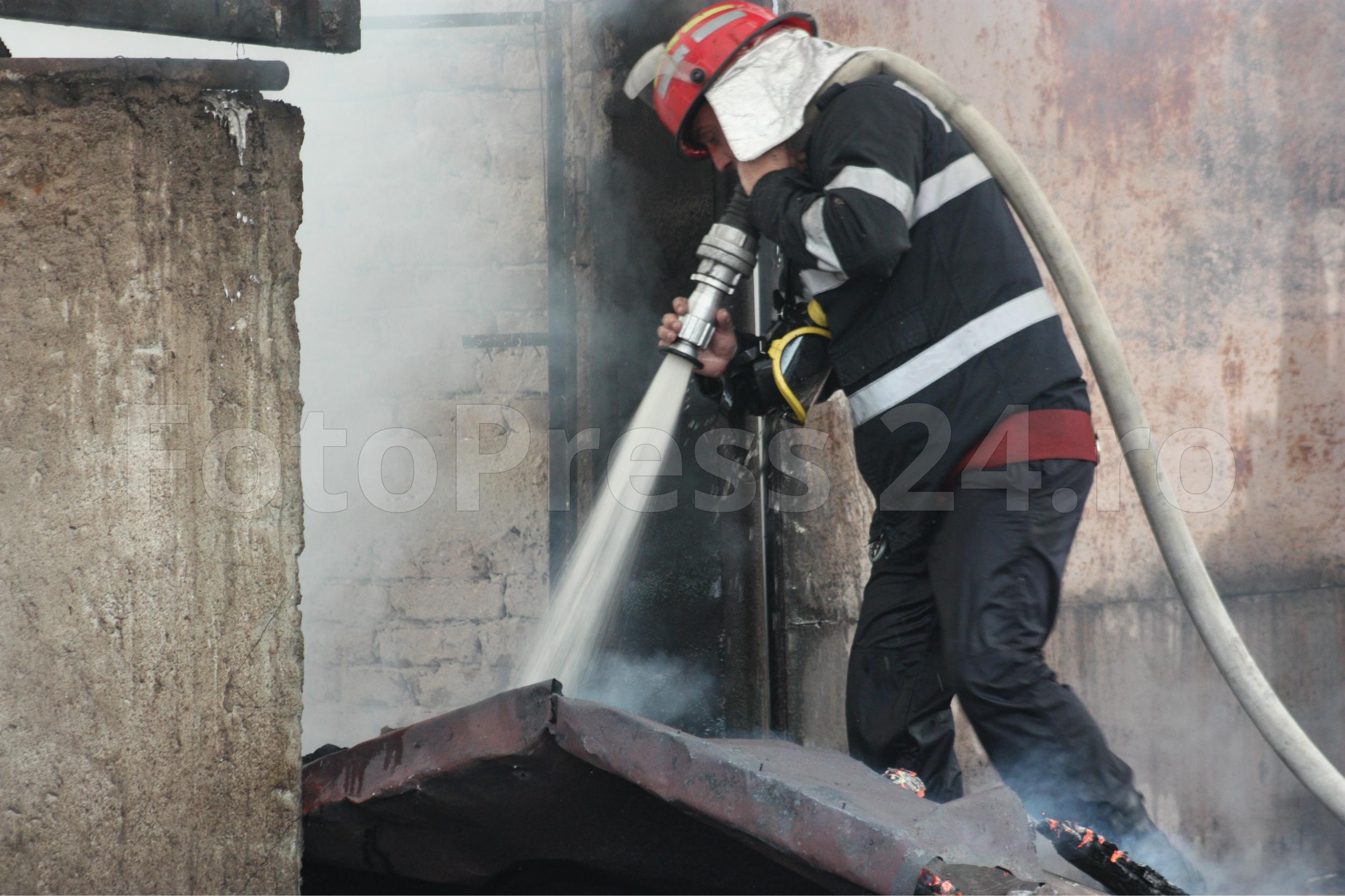 incendiu-FotoPress24.ro-Mihai-Neacsu-14