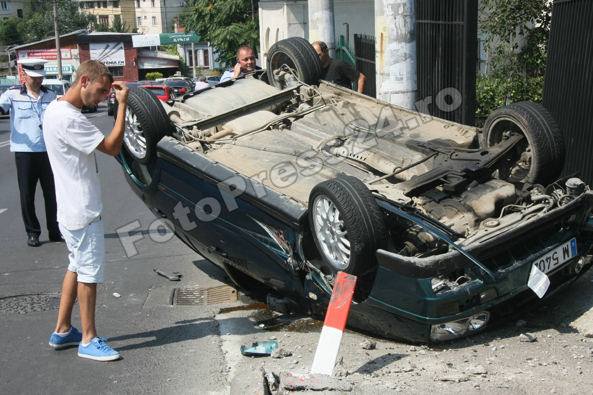 accident str.Zmeurei-FotoPress24.ro-Mihai Neacsu (6)
