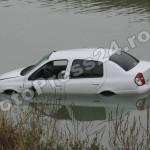 masina -cazuta -riu-FotoPress24.ro-Mihai Neacsu (1)