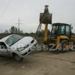 masina -cazuta -riu-FotoPress24.ro-Mihai Neacsu (8)