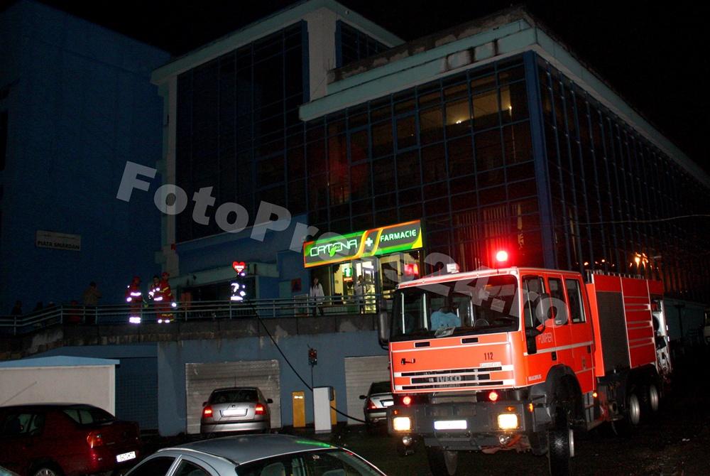incendiu piata smirdan-foto-Mihai Neacsu  (2)