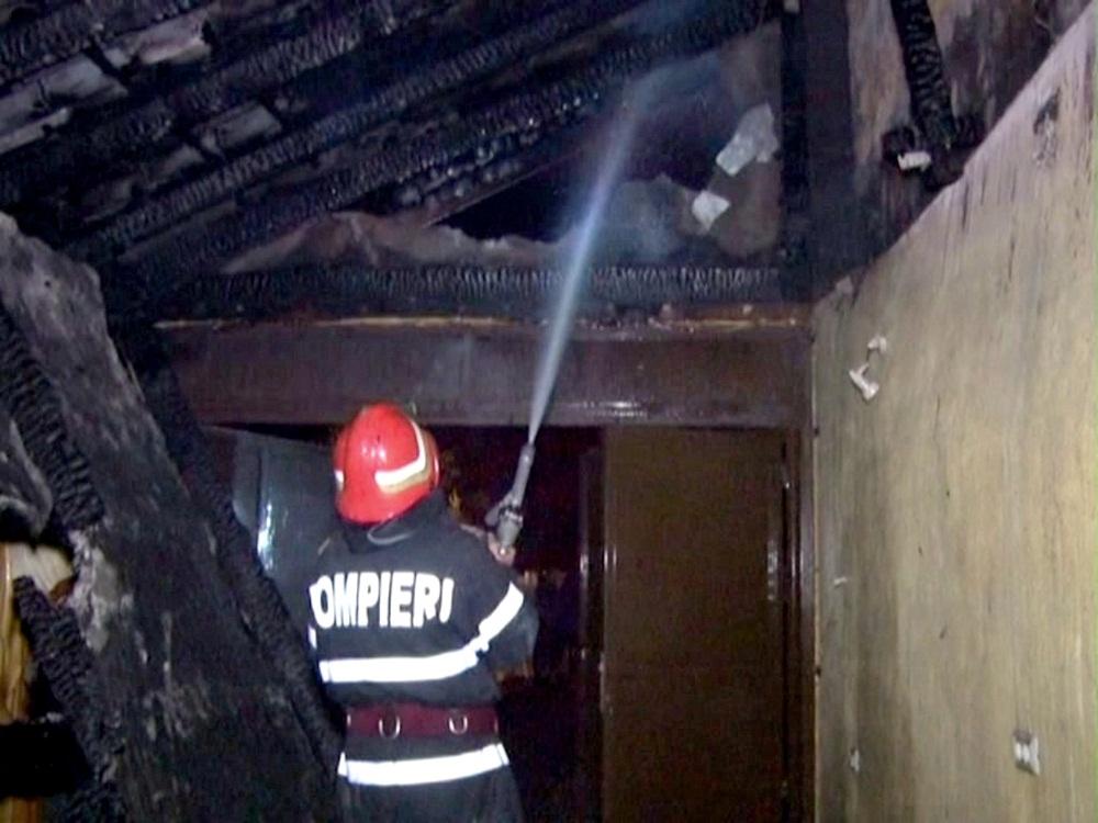 incendiu vila Rociu-FotoPress24 (11)