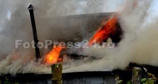 incendiu Costesti-fotopress24.ro-Mihai Neacsu (10)