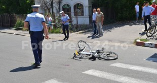 accident biciclist giratoriu Banat-fotopress24.ro-Mihai Neacsu (2)