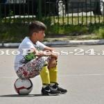 """Micuţii i-au provocat pe fotbalişti la un """"amical"""" în curtea şcolii - fc arges - fotopress-24 (15)"""