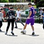 """Micuţii i-au provocat pe fotbalişti la un """"amical"""" în curtea şcolii - fc arges - fotopress-24 (5)"""