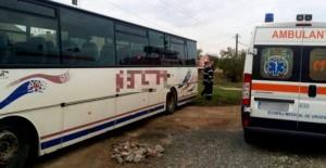 BarbatStrivitAutobuz01