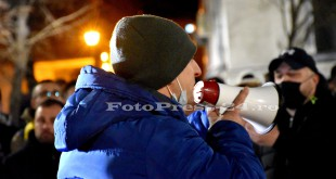 Noi-proteste-anti-mască-și-anti-restricțîi-în-centrul-orașului-Pitești