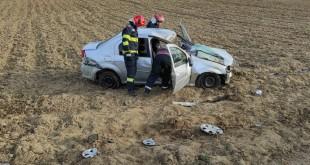 Autoturism răsturnat pe raza localității Davidești