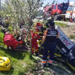 Autoturism răsturnat în șanț în localitatea Valea Mare Pravăț (1)