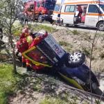 Autoturism răsturnat în șanț în localitatea Valea Mare Pravăț (5)
