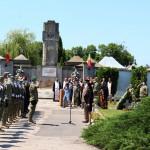 Prefectul Emilia Mateescu, prezentă la comemorarea Zilei Eroilor (3)
